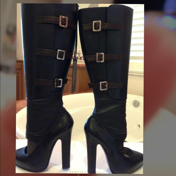 bb937619 VERSACE BOOTS NWT
